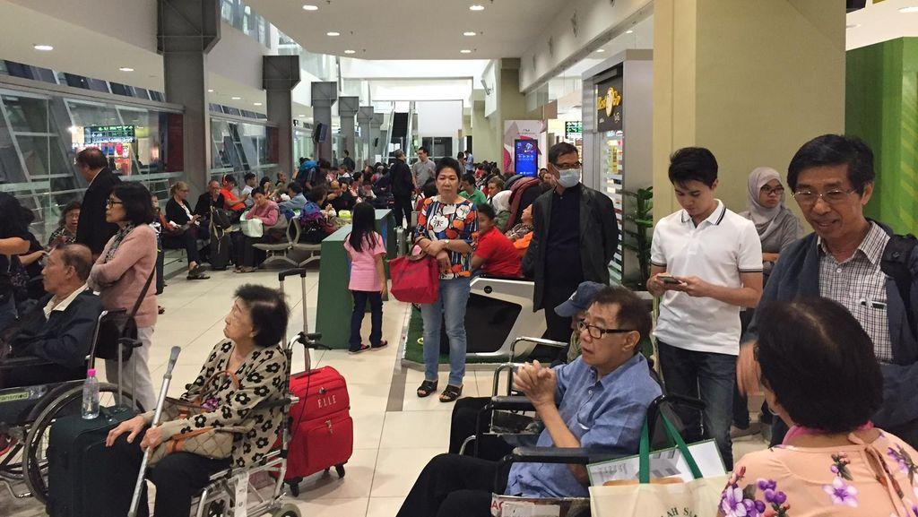 Gara-gara Penumpang Bercanda Ada Bom, AirAsia Penang-Jakarta Tertunda