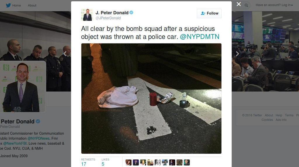 Benda Mencurigakan Dilempar ke Mobil Polisi New York, Ternyata Bom Palsu
