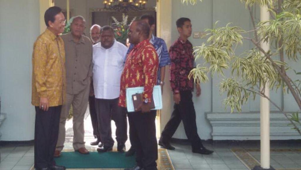 Sejumlah Tokoh Papua Temui Sri Sultan HB soal Insiden di Asrama Mahasiswa