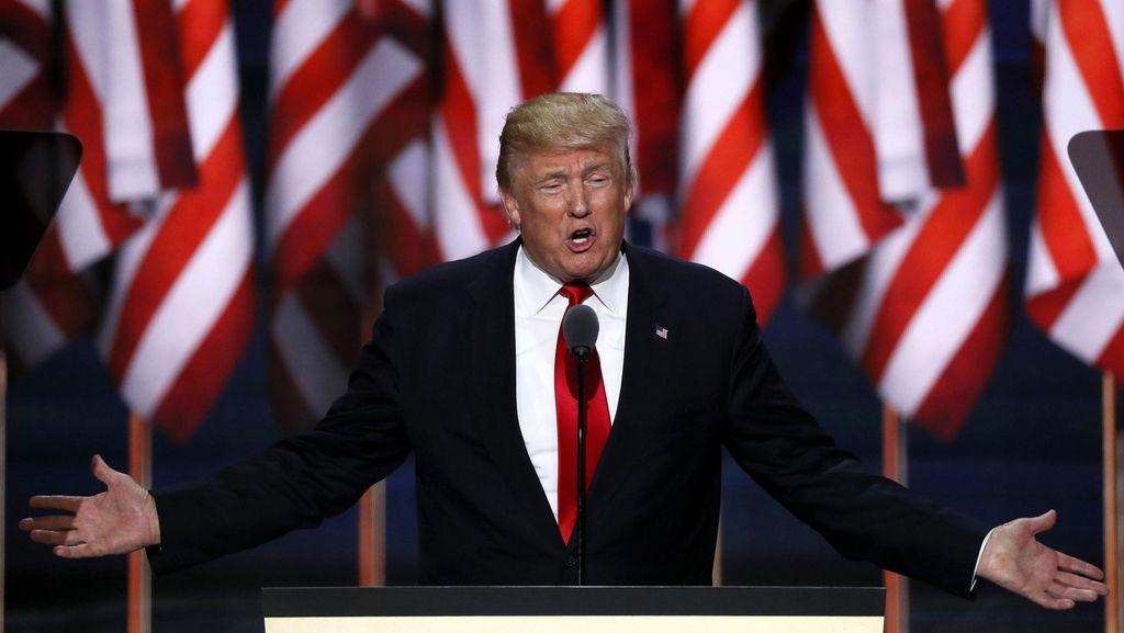 Donald Trump Tantang Rusia Untuk Meretas Email Hillary Clinton