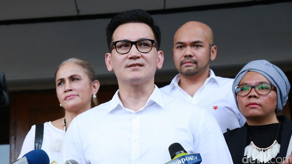 Bantah Larang Dewi Rezer Temui Anak, Ini Kata Marcelino Lefrandt