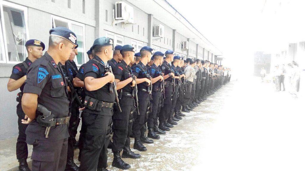 Usai Rusuh di Lapas Bentiring Bengkulu, Polisi Bersenjata Perketat Pengamanan