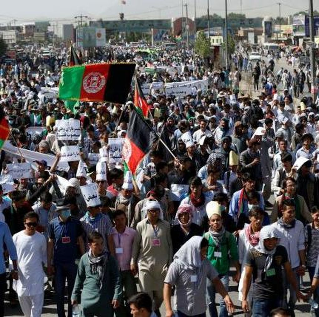 61 Orang Tewas Akibat Bom Bunuh Diri di Tengah Demonstrasi di Afganistan