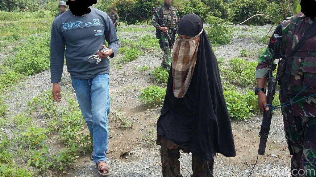 Satgas Tinombala Cari Senpi SS2 yang Disembunyikan Istri Santoso