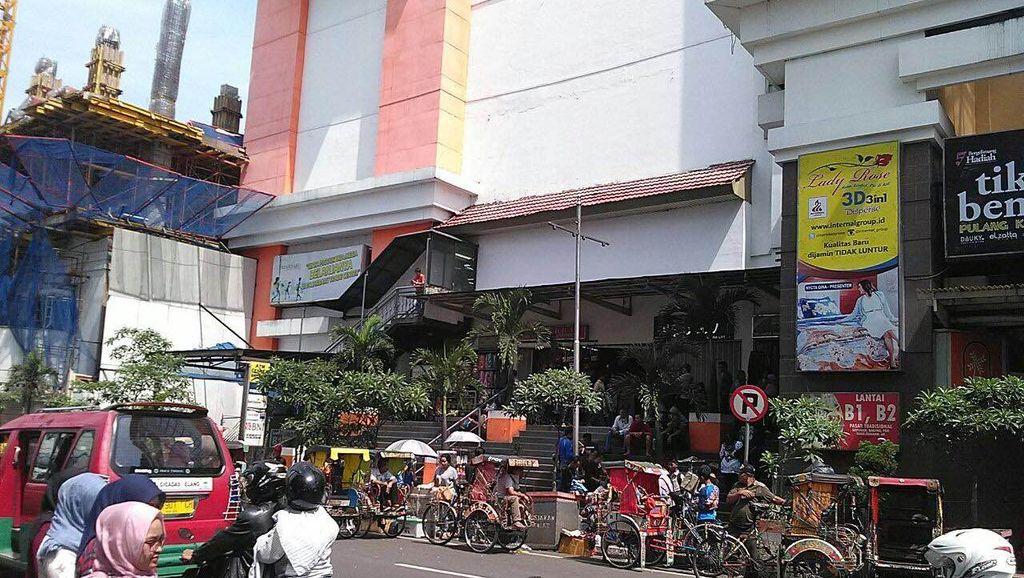 Cerita Saksi soal Mayor Sukardi yang Diduga Bunuh Diri Loncat dari Lantai 8 Mal