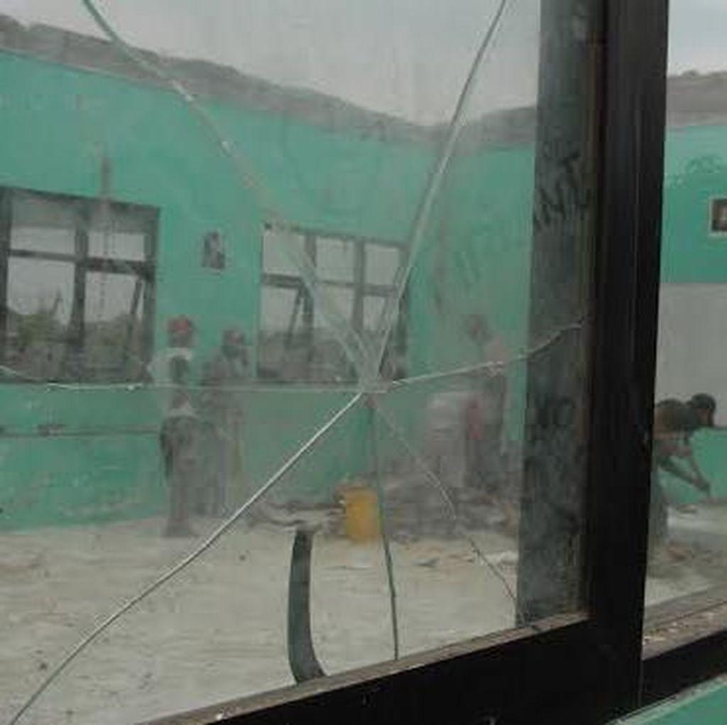 Kejari Tahan Kasek SMP 11 dan Dua Rekanan Proyek Pembangunan Gedung Ambruk