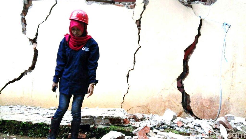 Retakan Tanah di Sukabumi Meluas, 100-an Rumah Rusak dan 282 KK Diungsikan