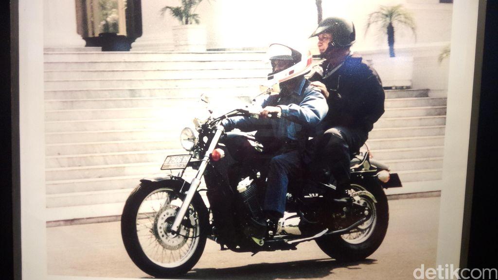 Kisah Habibie, Naik Motor Harley Memboncengkan Presiden Soeharto
