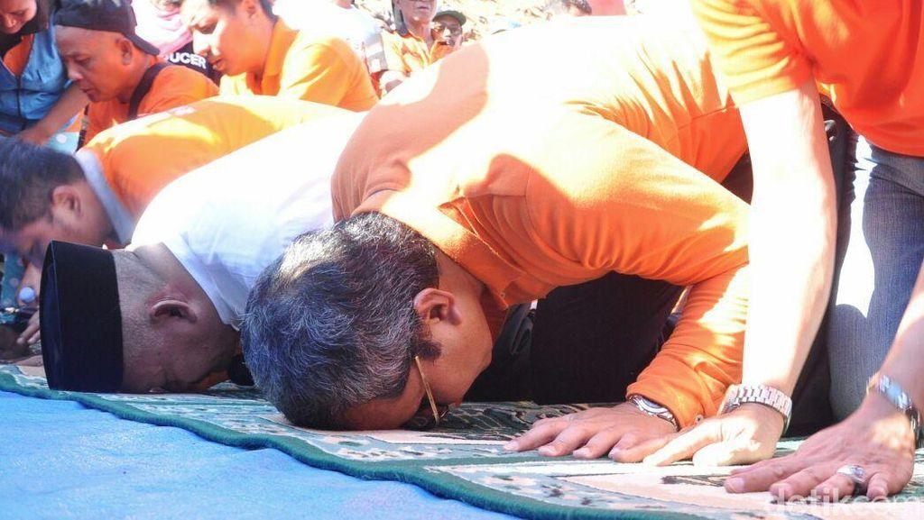2 Tahun Berhasil Pertahankan Piala Adipura, Walikota Makassar Sujud Syukur