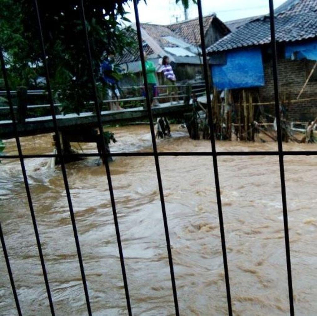 Banjir Terjang Carita Pandeglang