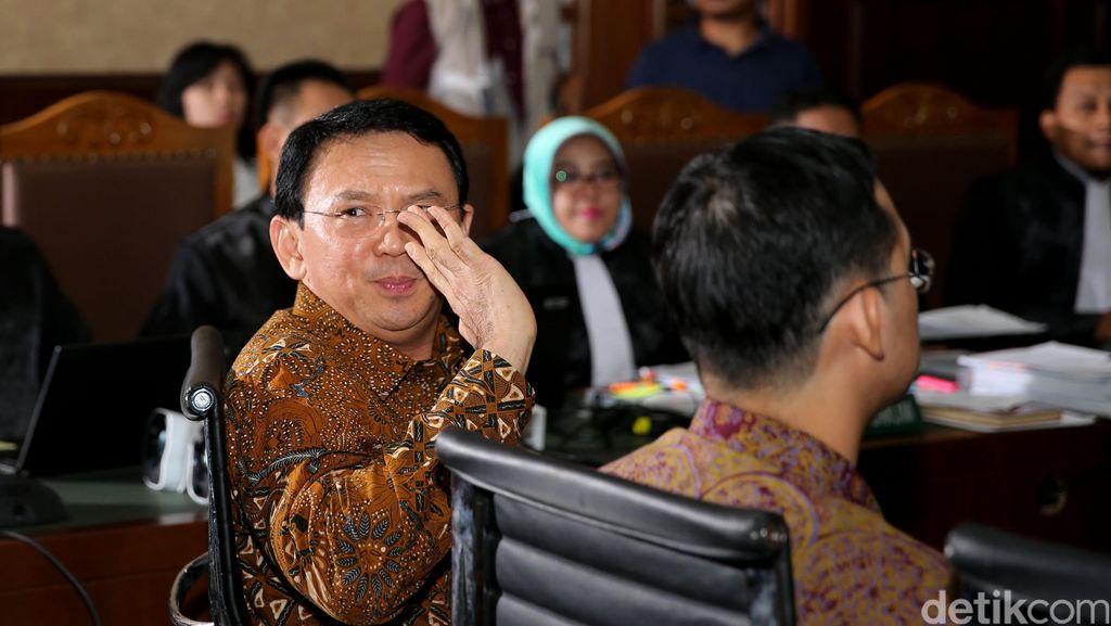 Ahok: Pak Hakim, Saya Sering Dikhianati dan Dipojokkan Oknum PNS