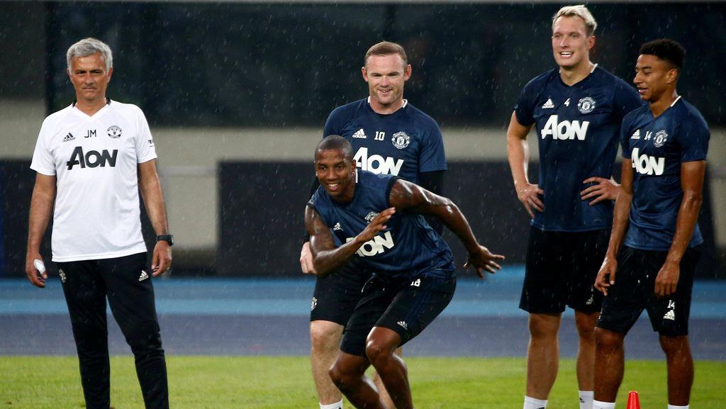Tiba di Manchester Usai Tur ke China, Skuat MU Langsung Latihan