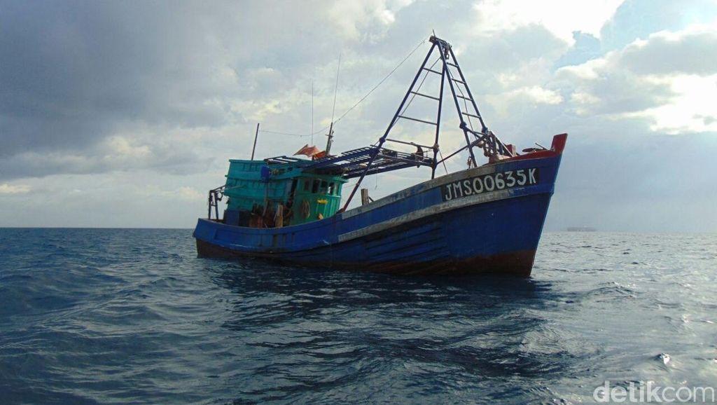 Polri Tangkap 2 Kapal dan 22 ABK WN Vietnam di Perairan Natuna
