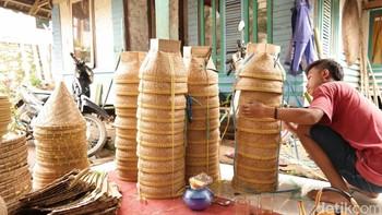 Cerita Perajin Bambu di Purwakarta yang Omzetnya Naik 10 Kali Lipat