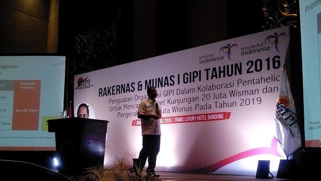 Usai Jadi Pembicara di Bandung, Menpar Bergegas Kembali ke Jakarta
