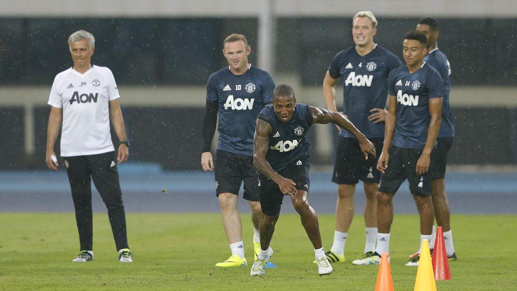 Rooney Ungkap Proses Adaptasi MU dengan Gaya Mourinho