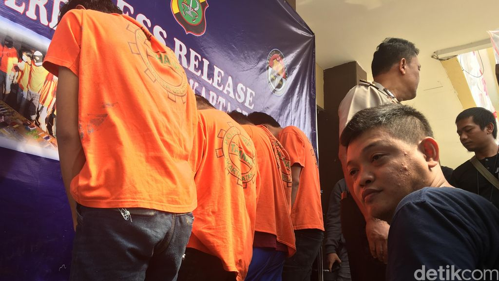 Sekap Anggota TNI, Komplotan Perampok di Jagakarsa Ditembak Polisi