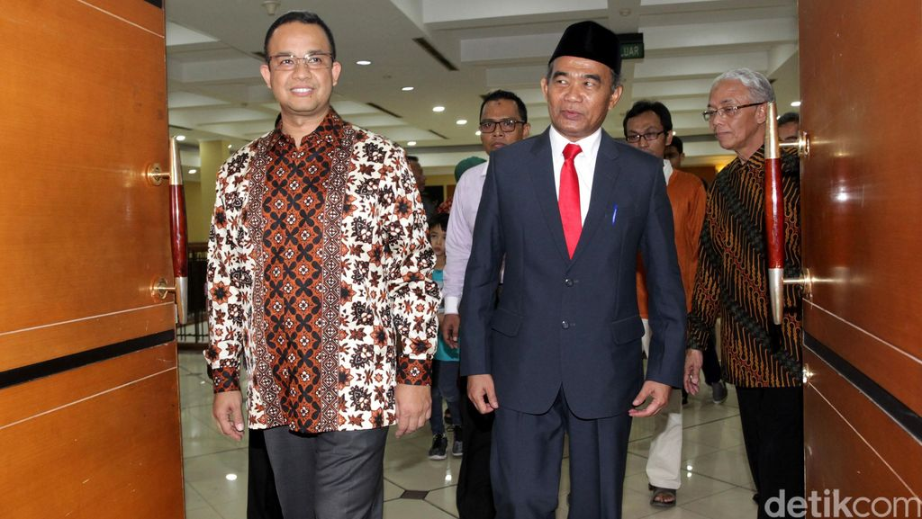 Perjalanan Anies Baswedan dari Timses, Menteri hingga Diganti Jokowi