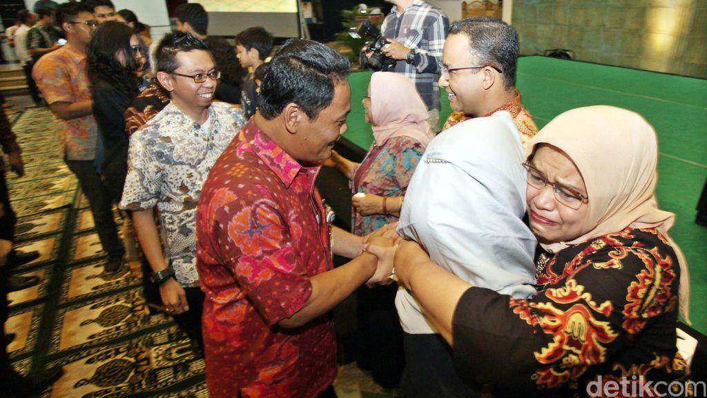 Perpisahan Berat di Kemdikbud dan Pelajaran untuk Keluarga Anies Baswedan