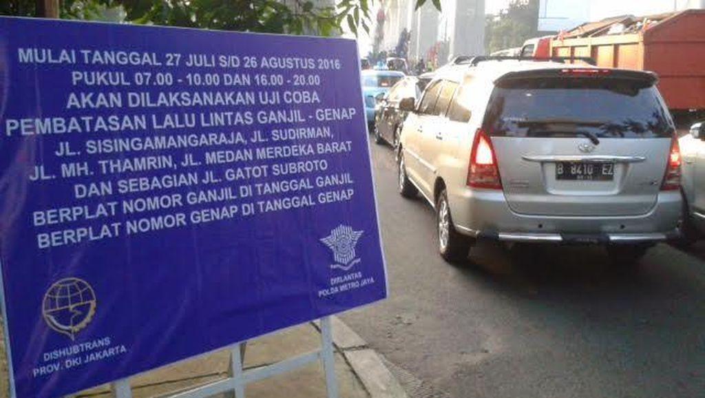Pakai Mobil Nopol Genap, Pengendara: Saya Lupa