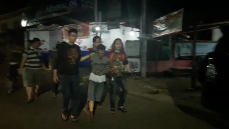 Polisi Tangkap Pembunuh Pria Bersarung yang Dibakar di Serpong