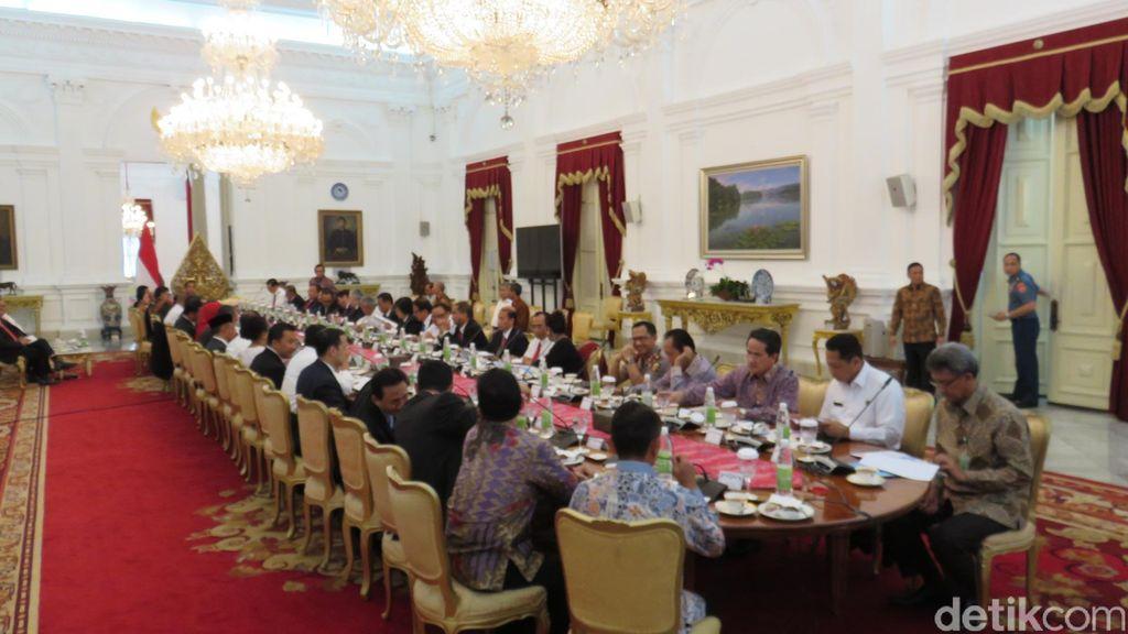 Jokowi Minta Wiranto Teruskan Semua Program yang Sudah Dirintis Luhut