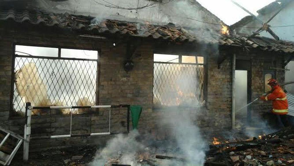 Warung Sembako di Cakung Terbakar Akibat Ledakan Gas, Pemilik Tewas