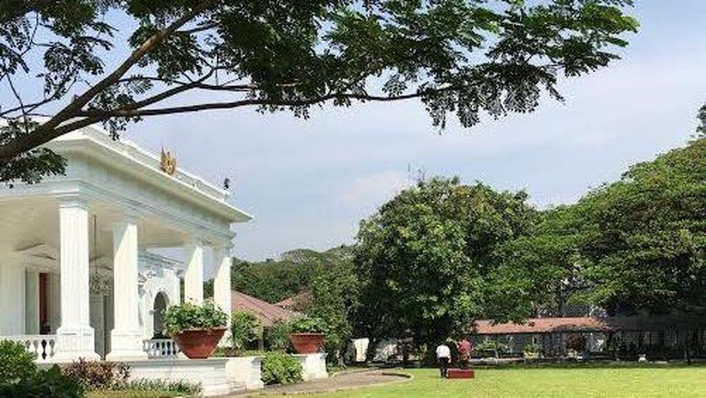 Jelang Pengumuman Reshuffle, Jokowi Pantau Penyiapan Panggung di Halaman Istana