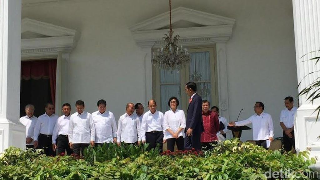 Sri Mulyani Diperkenalkan Pertama Kali Jokowi, Disambut Tepuk Tangan