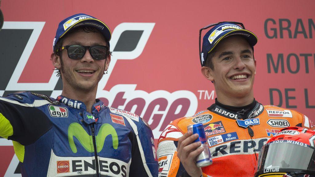 Tak Mudah Jadi Musuh Rossi, tapi Marquez Sudah Melewatinya