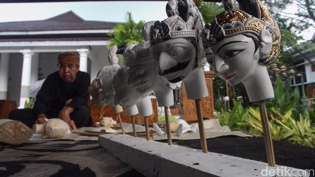 Abah Jani, Seniman Wayang Golek Pengisi Museum Wayang Purwakarta