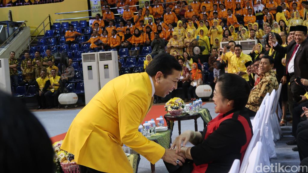 Mega Dampingi Jokowi di Rapimnas Golkar, Novanto: Ibu Bijaksana