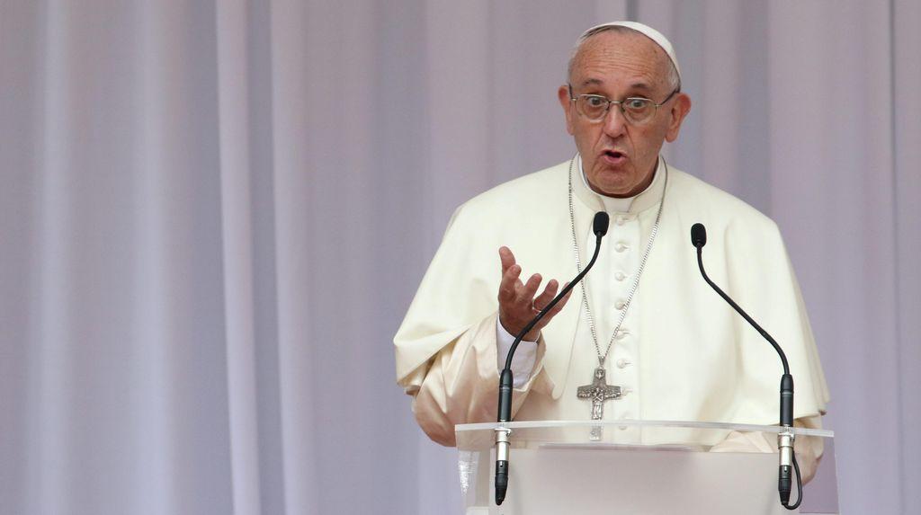 Paus Fransiskus: Dunia dalam Perang, Bukan Agama Penyebabnya