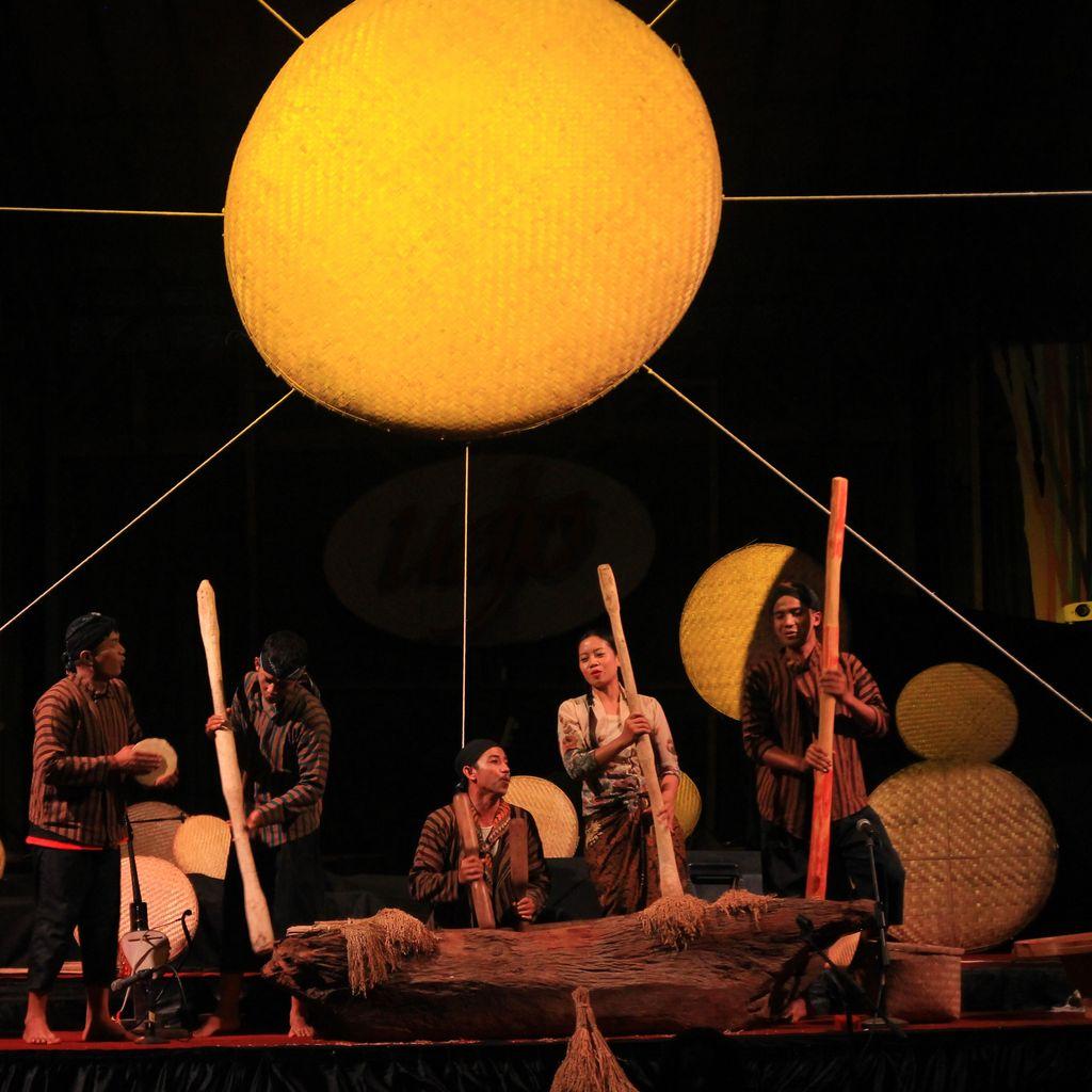 Teater Djarum Pentaskan Lakon Petuah Tampah di Bandung