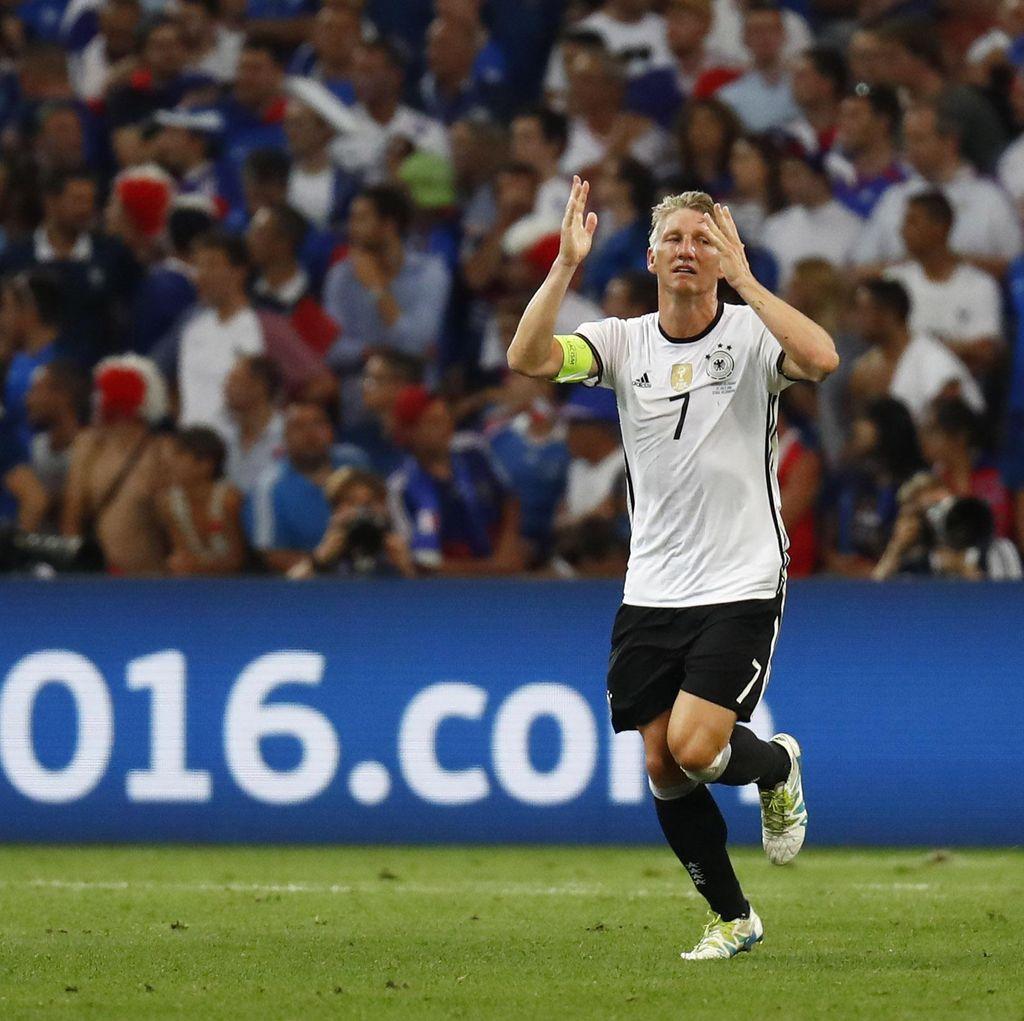 Schweinsteiger Pensiun dari Timnas Jerman
