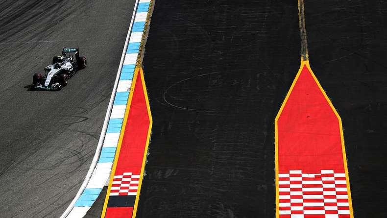 Rosberg Kuasai Latihan Pertama