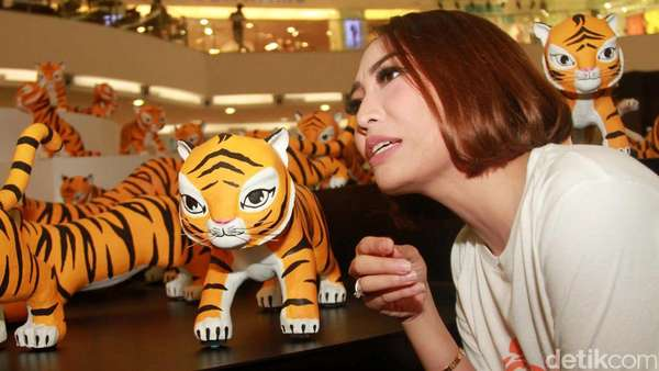 Aksi Para Selebriti di Global Tiger Day