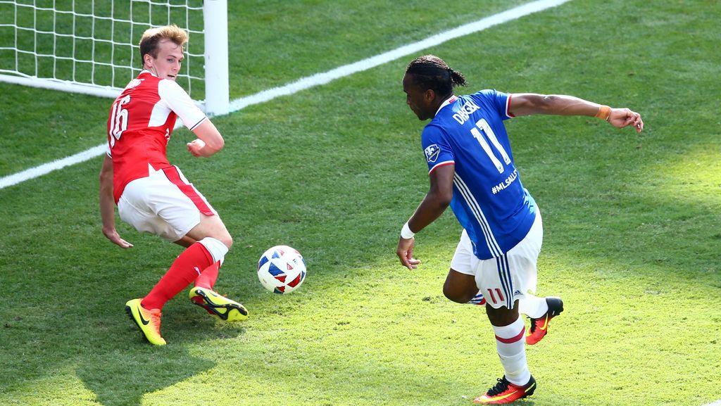 Sanjungan Wenger untuk Drogba yang Belum Berhenti Meneror Arsenal