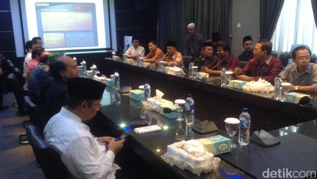 Kapolri Bertemu Tokoh Agama di Mapolda Sumut, Bahas Kerusuhan Tanjungbalai