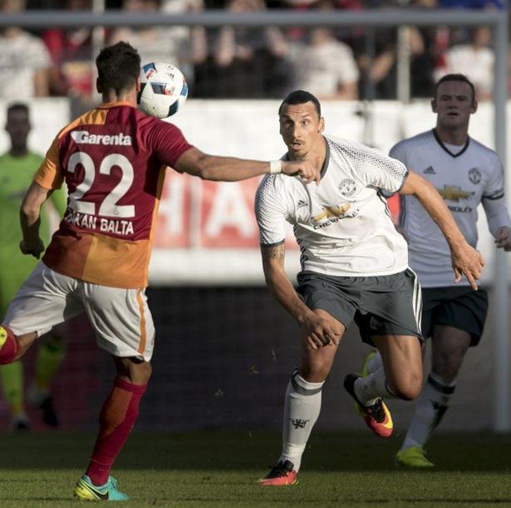 Ibrahimovic: Sesuatu yang Besar Sedang Terjadi di MU