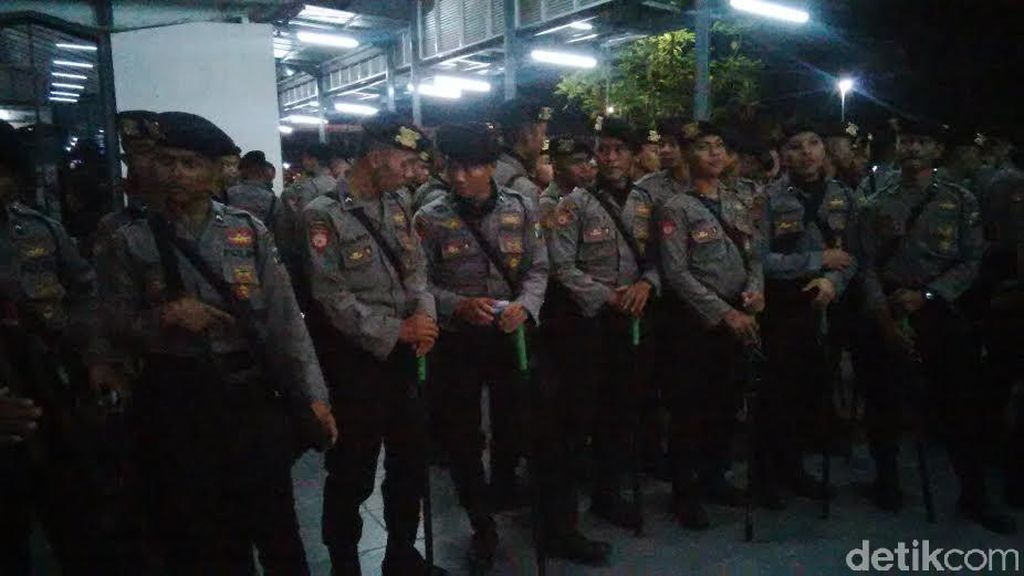 Polisi Terjunkan 1.000 Personel Amankan Demo Bonek di KLB PSSI di Ancol