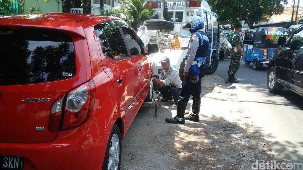 Temukan Juru Parkir Liar di Malang, Laporkan ke 081333471111