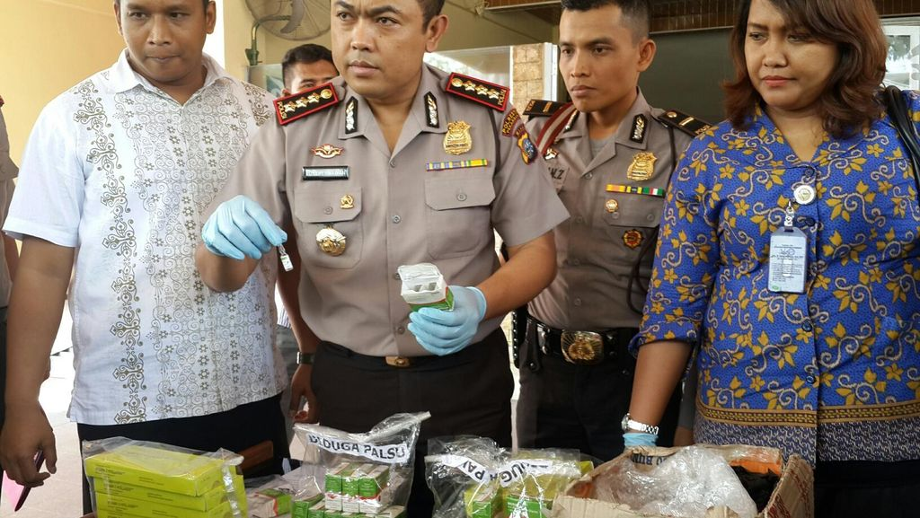2 Sales Obat Penjual Serum Palsu Ditangkap di Pekanbaru