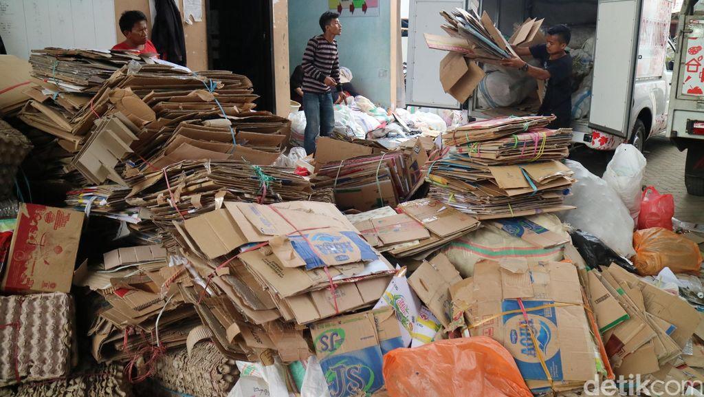 Melihat Program Menabung sejak Dini di Makassar: Bukan Uang tapi Sampah