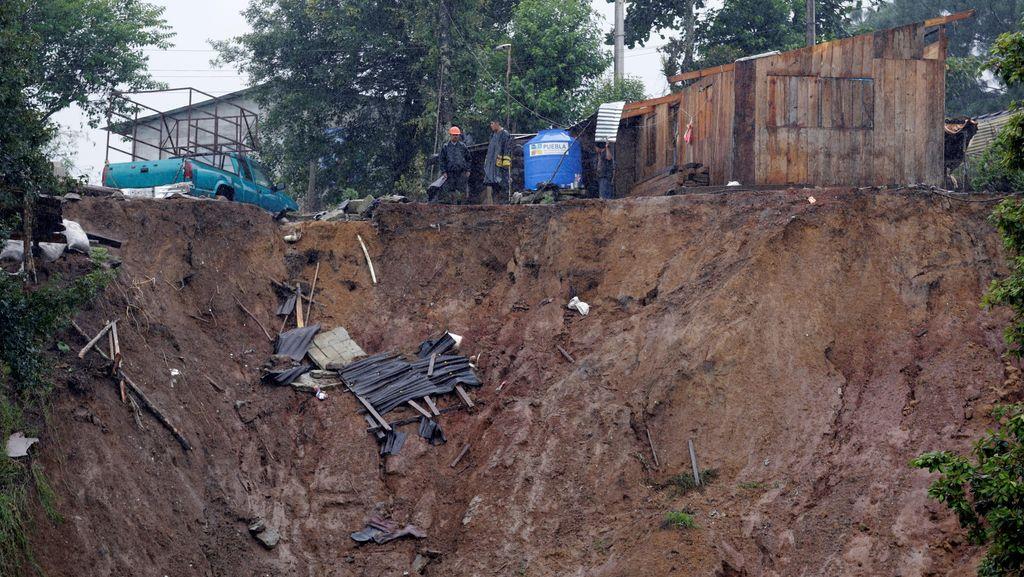 Badai Earl Picu Tanah Longsor di Meksiko, 38 Orang Tewas