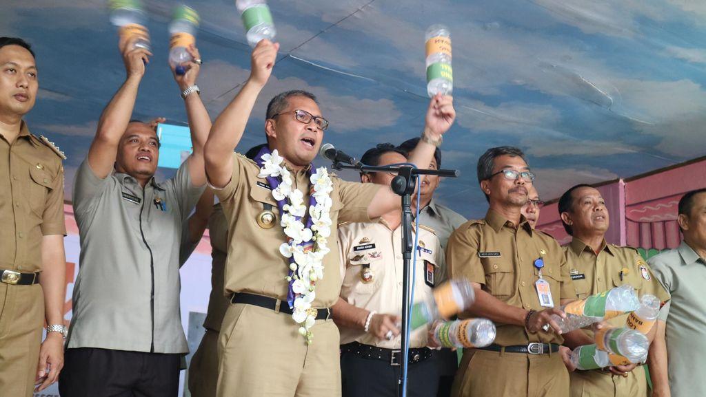 Wali Kota Makassar Luncurkan 500 Bank Sampah Sekolah