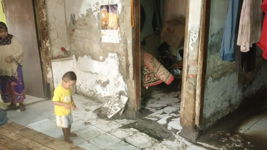 Efek Lumpur di Dekat Marunda, Usaha Tutup dan Warga Terjaga Kala Malam
