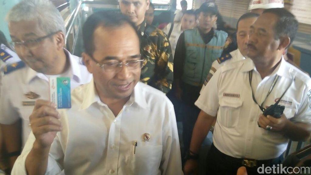 Menhub Budi Targetkan 800-an Perlintasan KA di Jabodetabek Hilang 2018