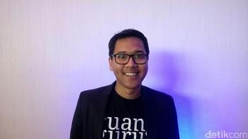 Umur 24 Tahun, Pria Ini Berani Berbisnis Guru Privat Online