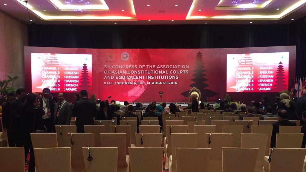 Presiden Jokowi Buka Kongres ke-3 Asosiasi MK se-Asia di Bali Hari Ini